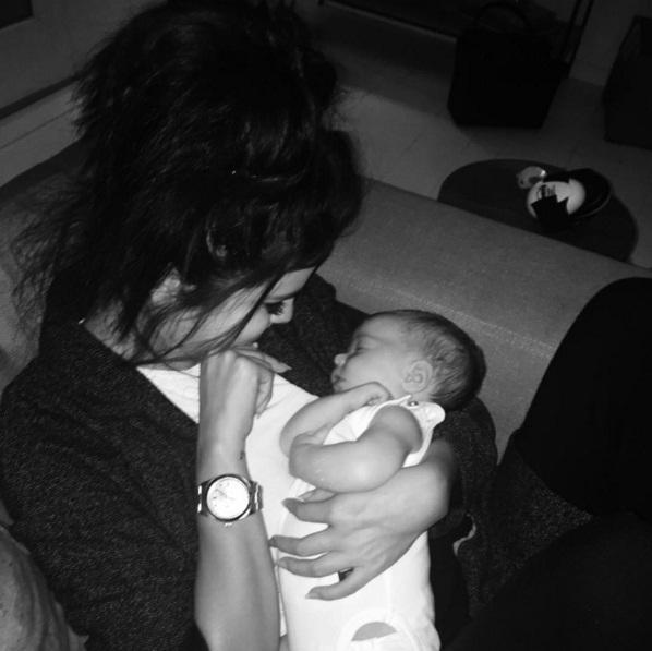 Селена Гомес выложила фото с новорожденным малышом