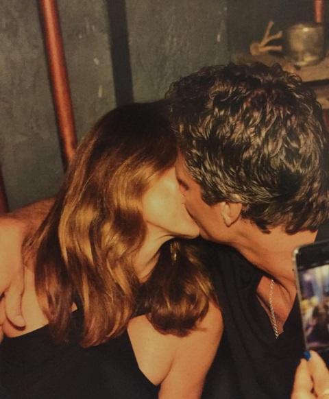 Это любовь: Синди Кроуфорд поделилась романтичным фото с супругом