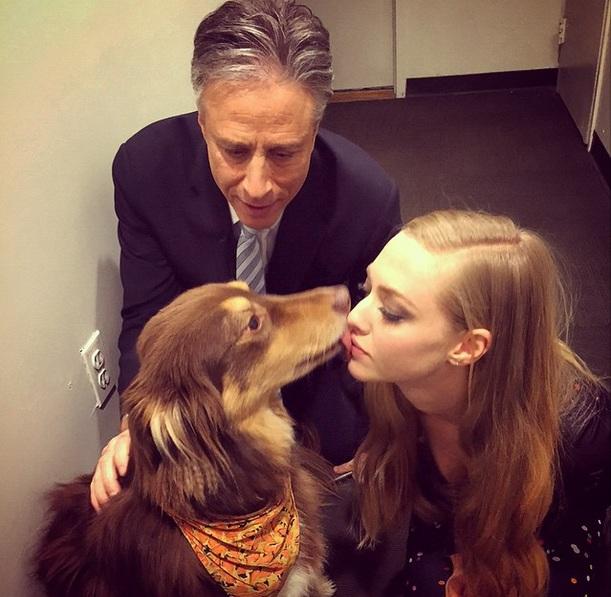 Аманда Сейфрид поцеловалась с лучшим другом на популярном телешоу