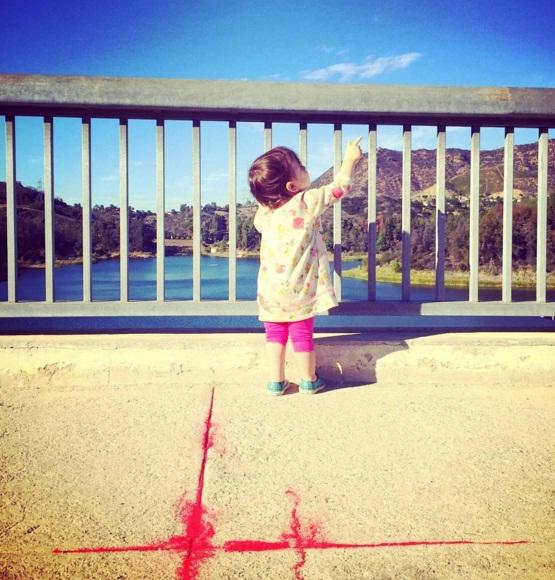Эштон Катчер впервые показал полноценный снимок дочери