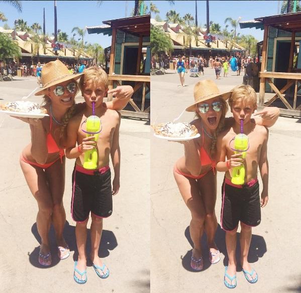 Бритни Спирс продемонстрировала упругое тело во время отдыха с детьми
