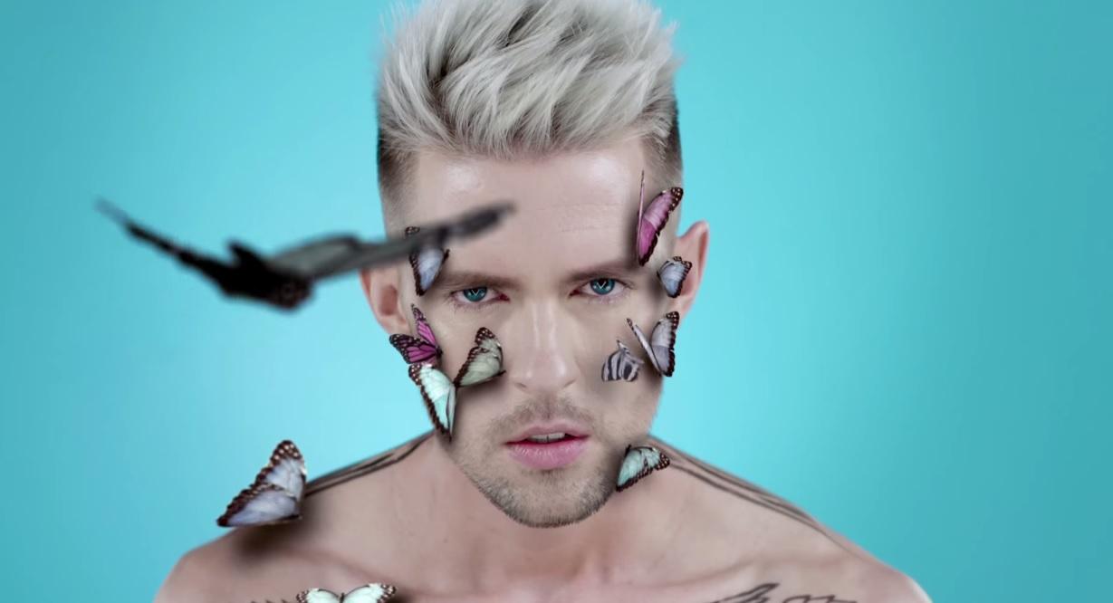 Маркус Рива представил видео на песню Take Me Down