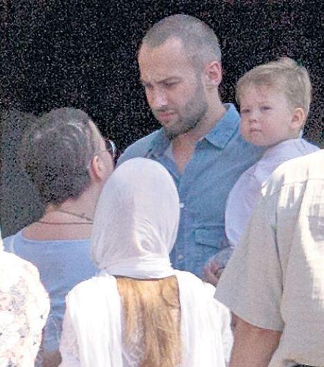 Жанна Фриске, ее муж Дмитрий Шепелв и сын Платон