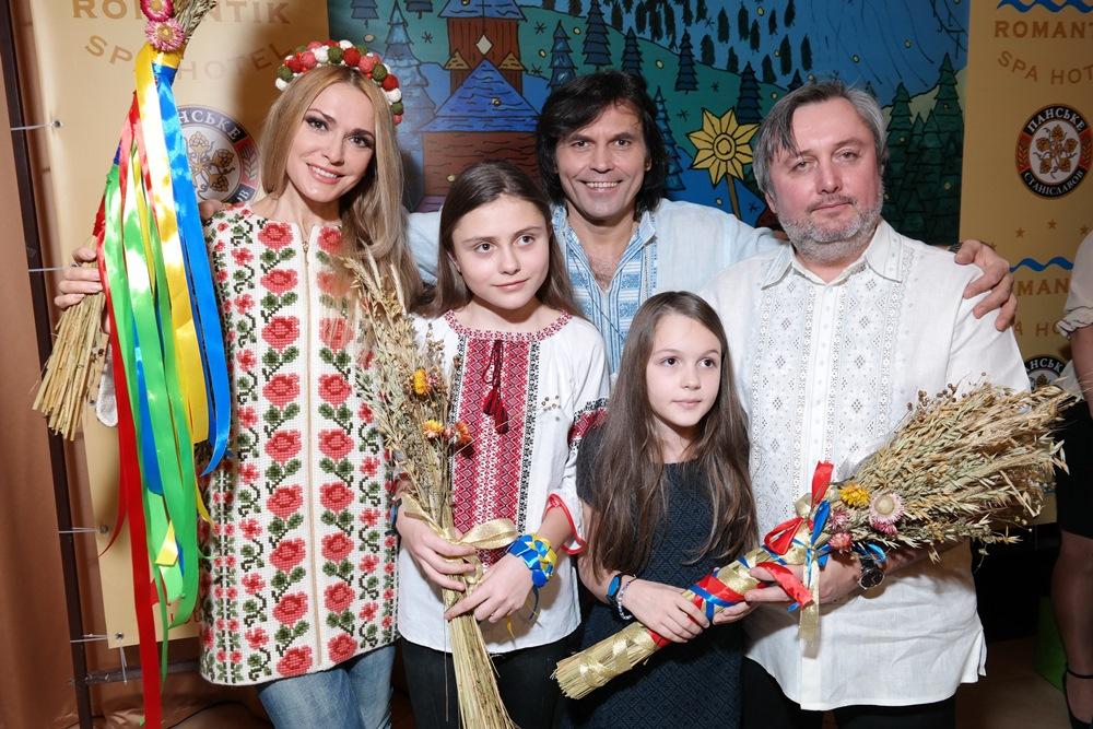 Ольга Сумская и Виталий Борисюк с дочерью Аней