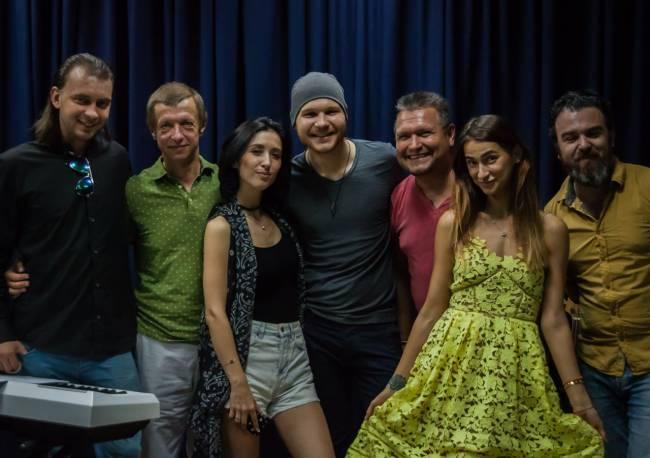 Анна Завальская, Влад Дарвин, Дима Каднай и другие звезды готовят сюрприз ко Дню независимости Украины