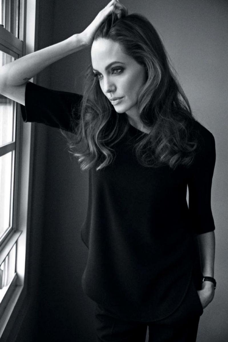 Анджелина Джоли на страницах глянца