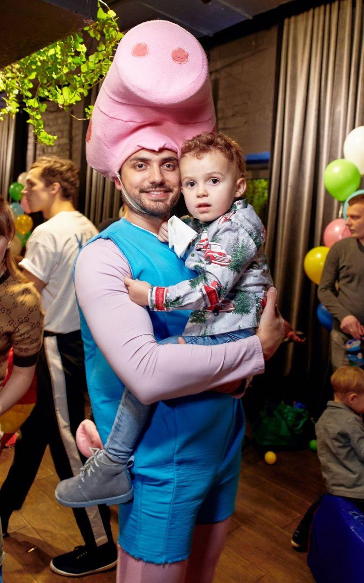 Слава и Эдгар Каминские отметили день рождения детей в стиле мультфильма «Свинка Пеппа»