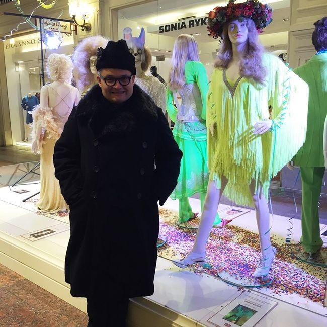 100 звездных нарядов в коллекции историка моды Александра Васильева