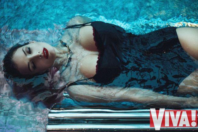 Татьяна Котова обнажила длинные ножки  в потрясающей фотосессии