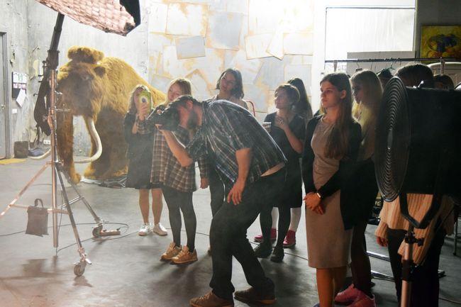 Певица Lavika, мамонт и книги-облака: необычный фотопроект, который сняли подростки