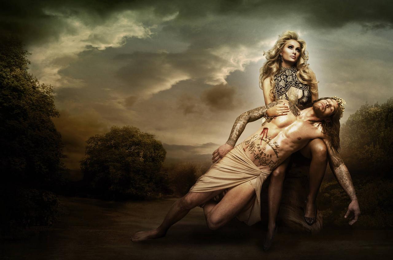 Адам и Ева: Пэрис Хилтон с снялась в соблазнительной фотосессии с идеальным красавцем