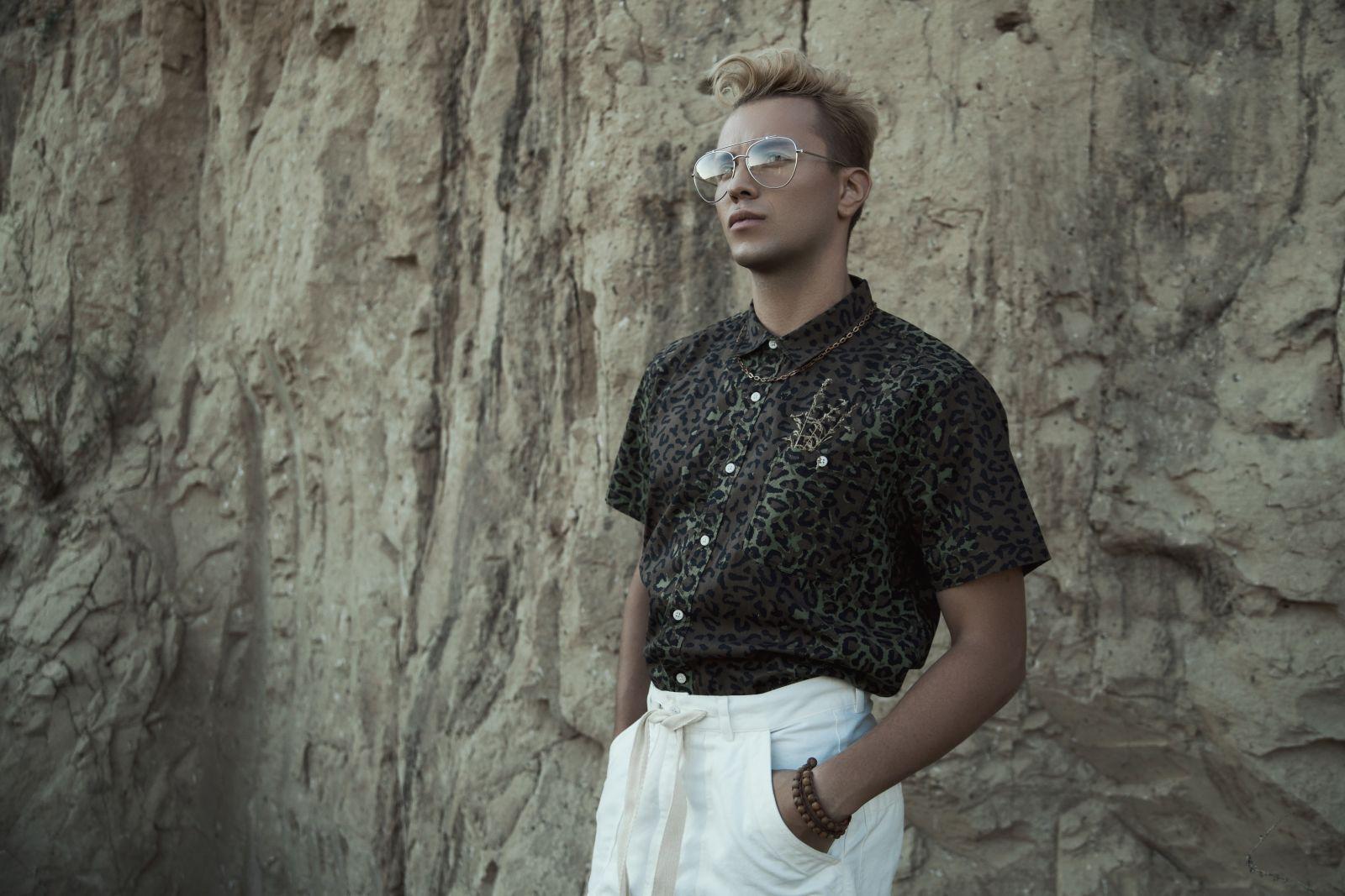 Подопечный Ивана Дорна Constantine записал песню в стиле 80-х
