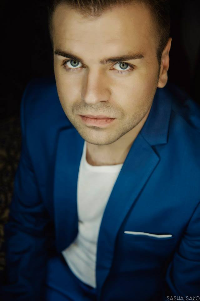 В автомобильной аварии погиб певец Владислав Левицкий