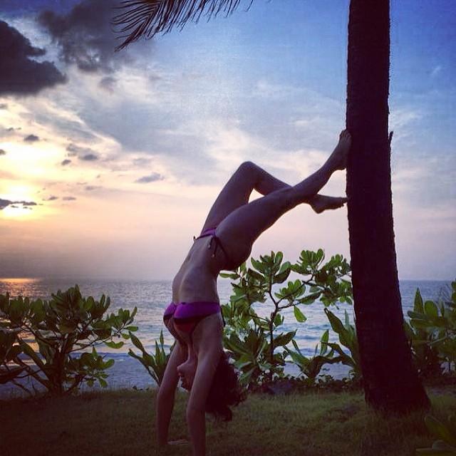 Даша Астафьева на пляже отдых фото инстаграм 2014