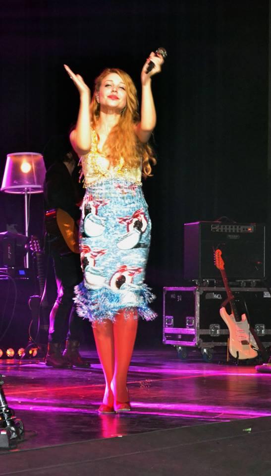 Тина Кароль платье Miu Miu Haute Couture