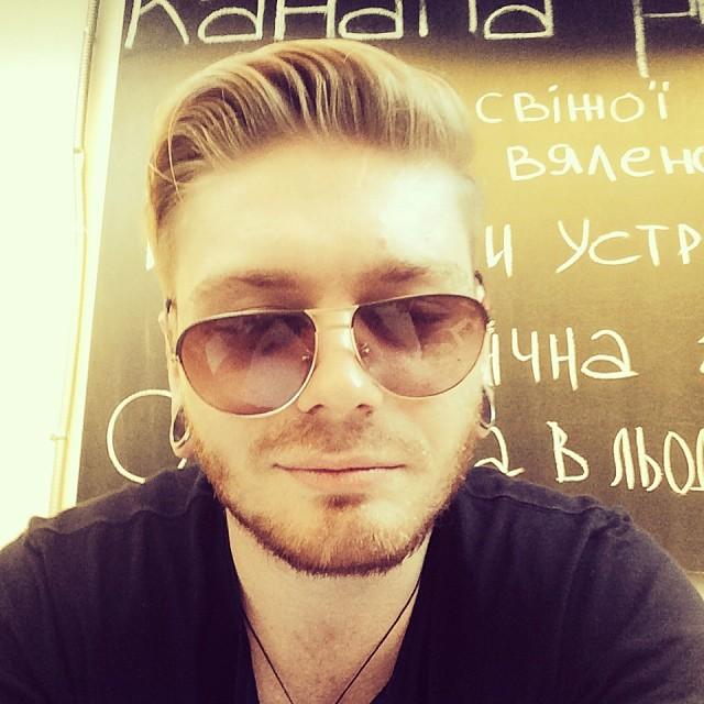 Александр Кривошапко стрижка