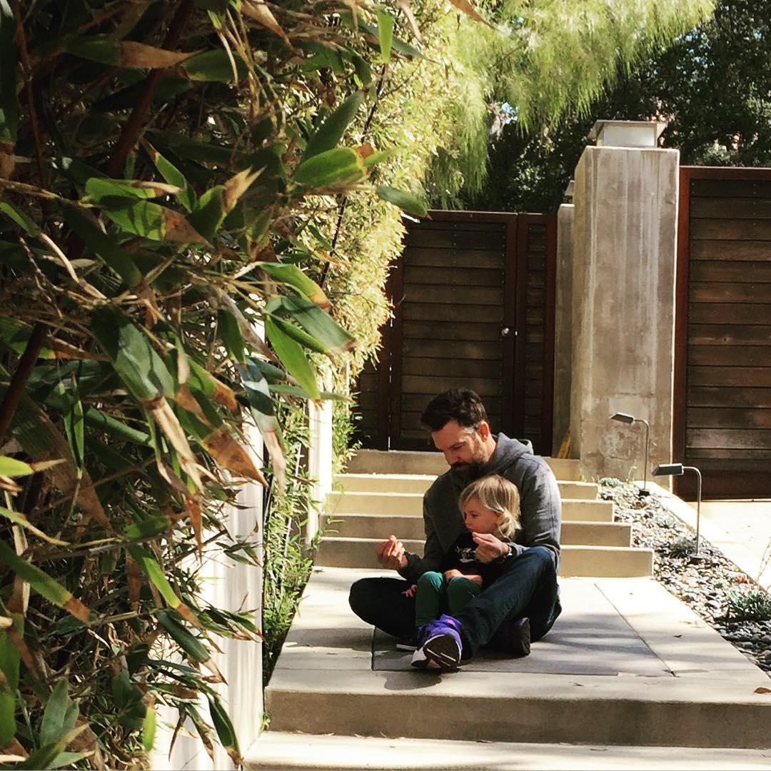 Оливия Уайлд и ее любимый мужчина Джейсон Судейкис с сыном Отисом