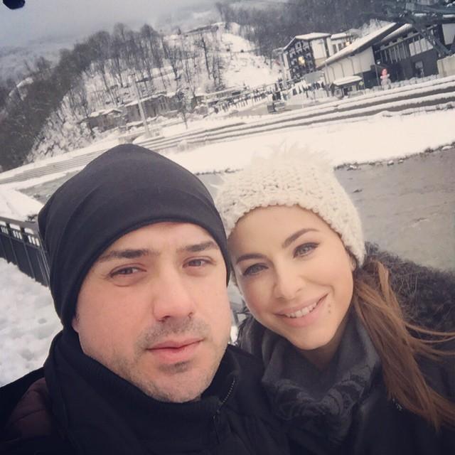 Ани Лорак с мужем уехала на Рождество в Карпаты