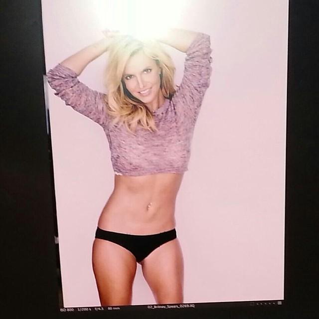 Бритни Спирс показала фигуру