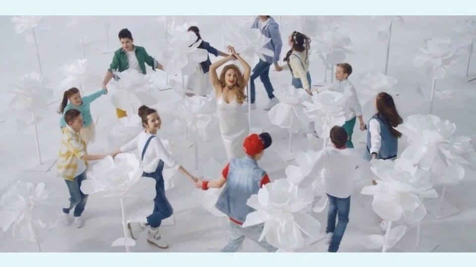 Тина Кароль сняла клип на первый детский гимн Украины с участниками шоу Голос. Діти-2