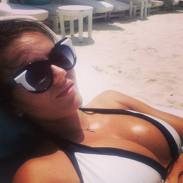 Дочь Игоря Крутого Виктория на пляже