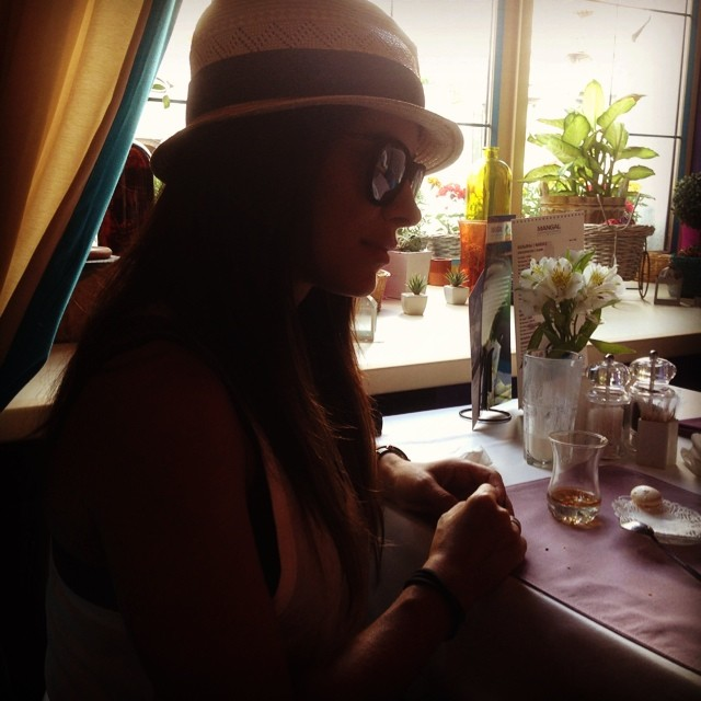 Ани Лорак в ресторане мужа