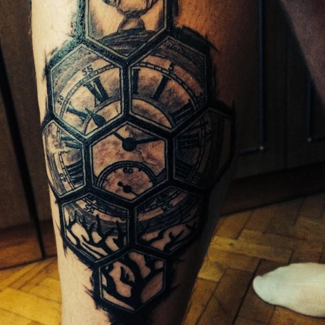 Александр Кривошапко сделал новую татуировку