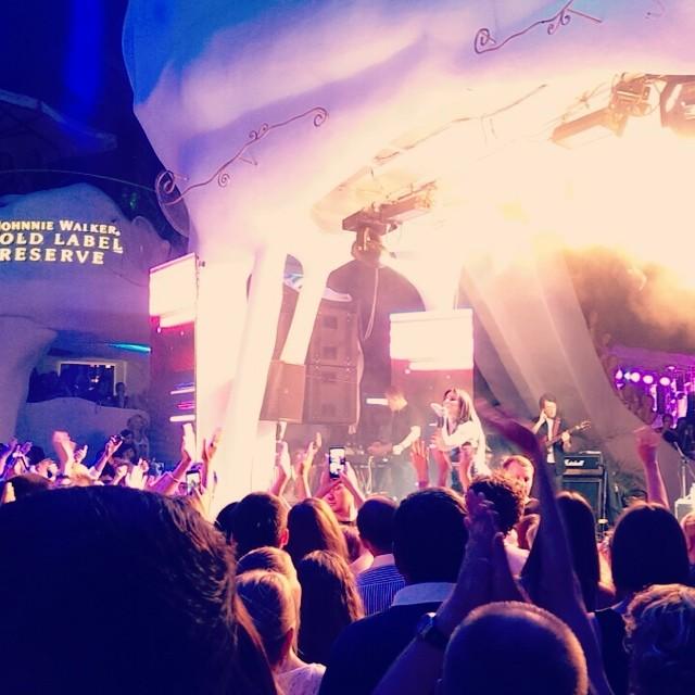 Ани Лорак показала фото с концерта в Одессе