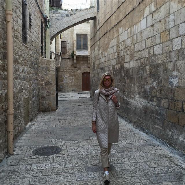 50 оттенков бежевого: Вера Брежнева побывала в Израиле
