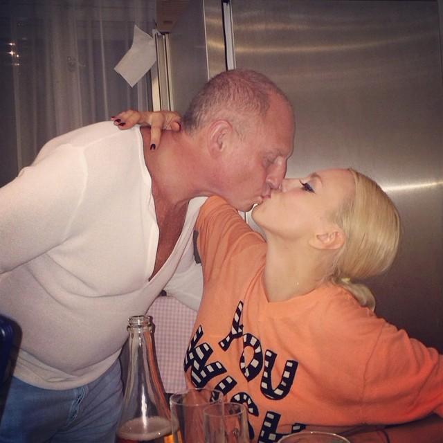 Оля Полякова опубликовала трогательное фото с мужем