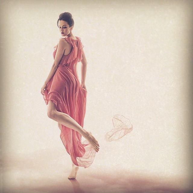 Даша Астафьева демонстрирует сексуальность в новой фотосессии