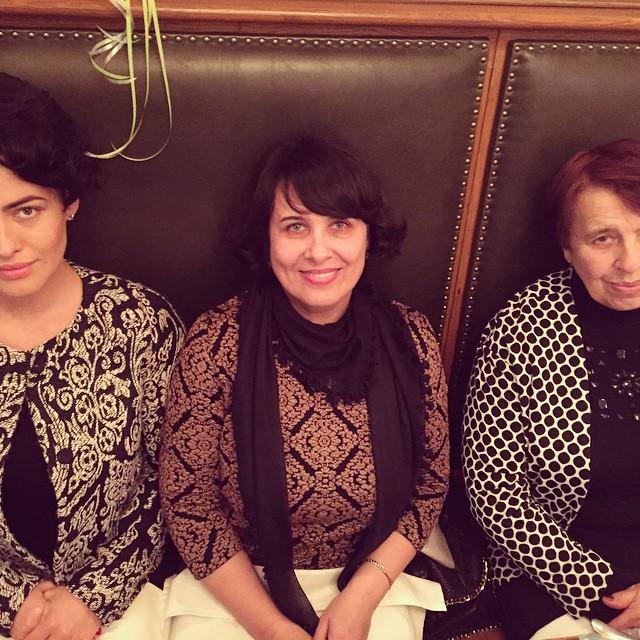 Даша Астафьева опубликовала трогательное фото с мамой и бабушкой