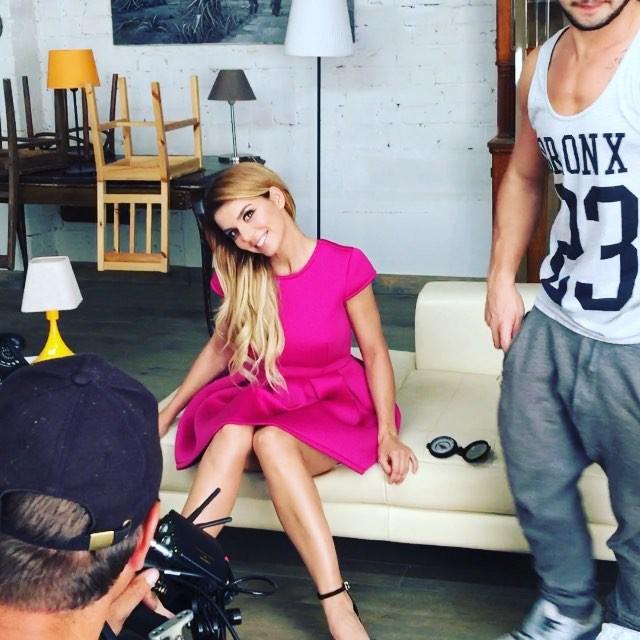 Анна Седокова перекрасилась в блондинку