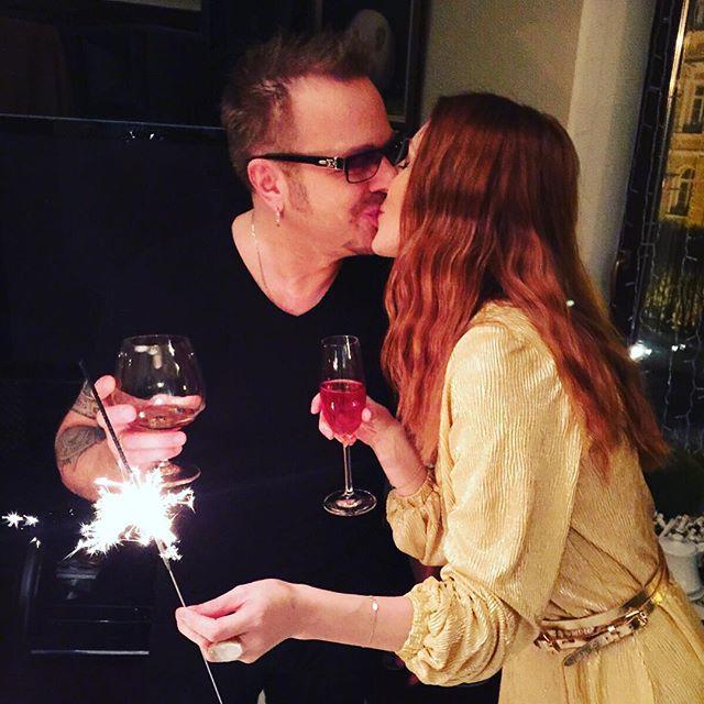 По-семейному: Наталья Подольская показала, как встретила Новый год