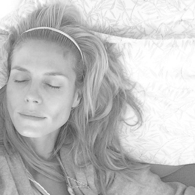 Хайди Клум демонстрирует лицо без макияжа