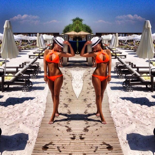Анна Седокова на пляже