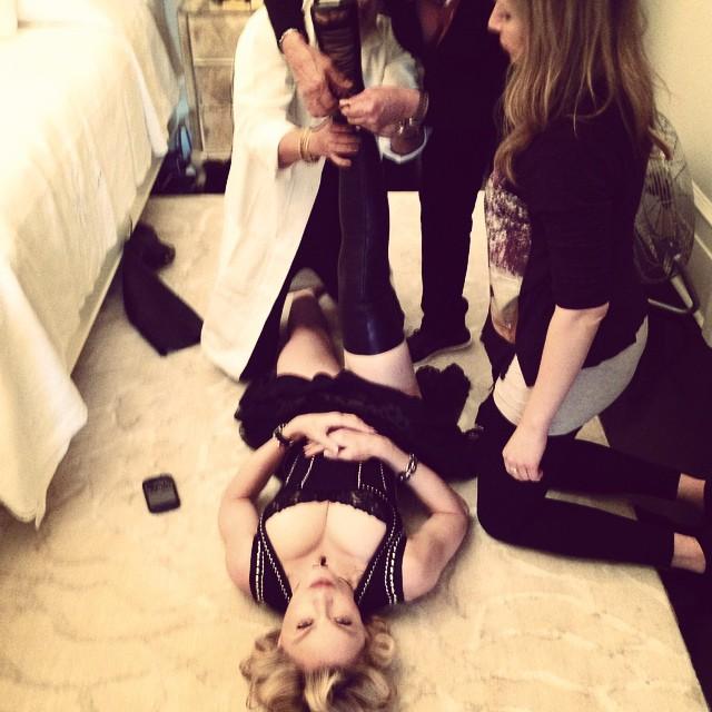 Мадонна похвасталась пышным бюстом в сексуальном корсете