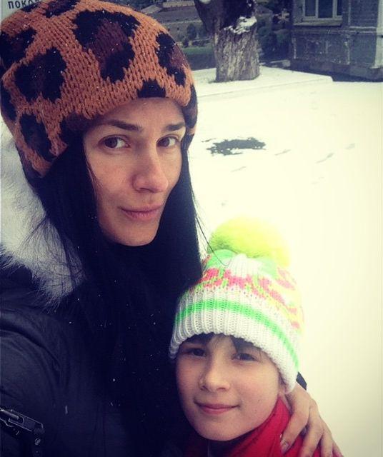 Стильная мама Маша Ефросинина гуляет по Киеву без макияжа