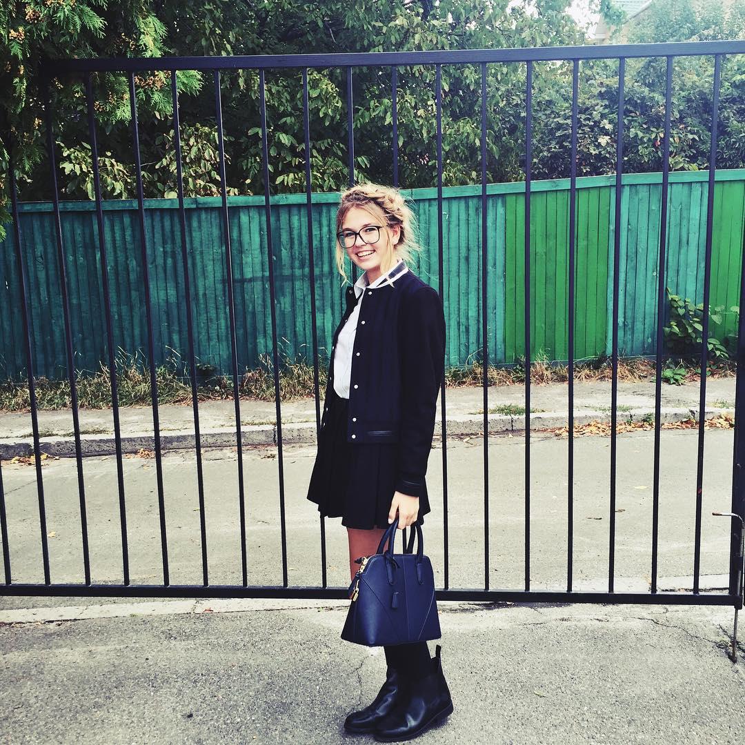 """Дочь Веры Брежневой: """"Меня в прежней школе не любили одноклассники"""""""