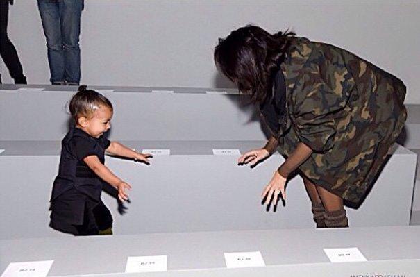 Ким Кардашьян с дочерью Норт пришли поддержать своего любимого мужчину Канье Уэста