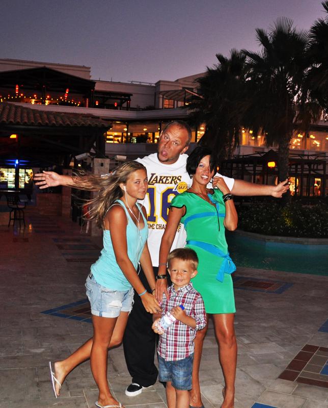 Потап с женой и детьми фото