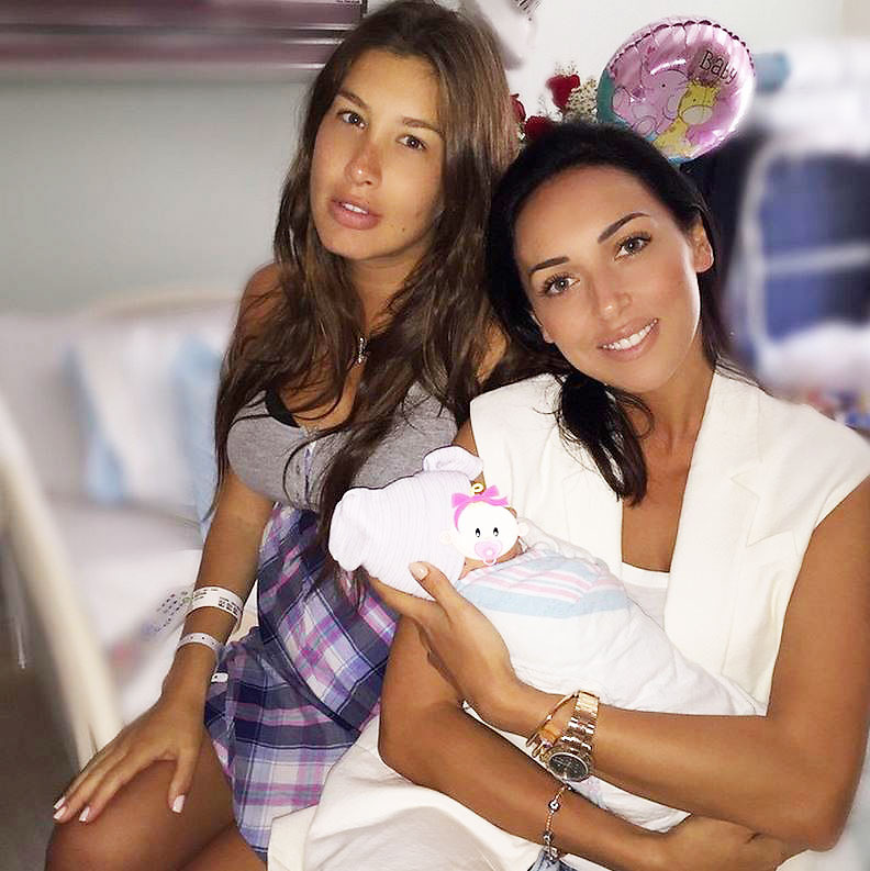 Алсу показала, как после родов выглядит ее подруга Кэти Топурия