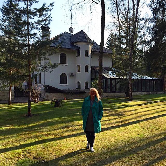 Оля Полякова показала свой роскошный дом в России