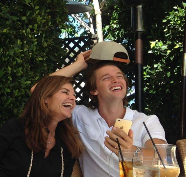 Счастливые 22: Патрик Шварценеггер отпраздновал день рождения с семьей