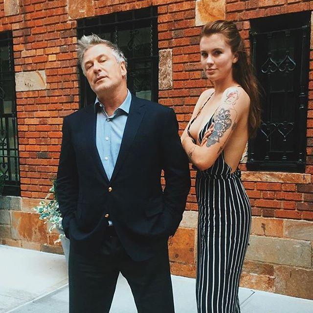 Дочь Алека Болдуина посвятила ему трогательную татуировку