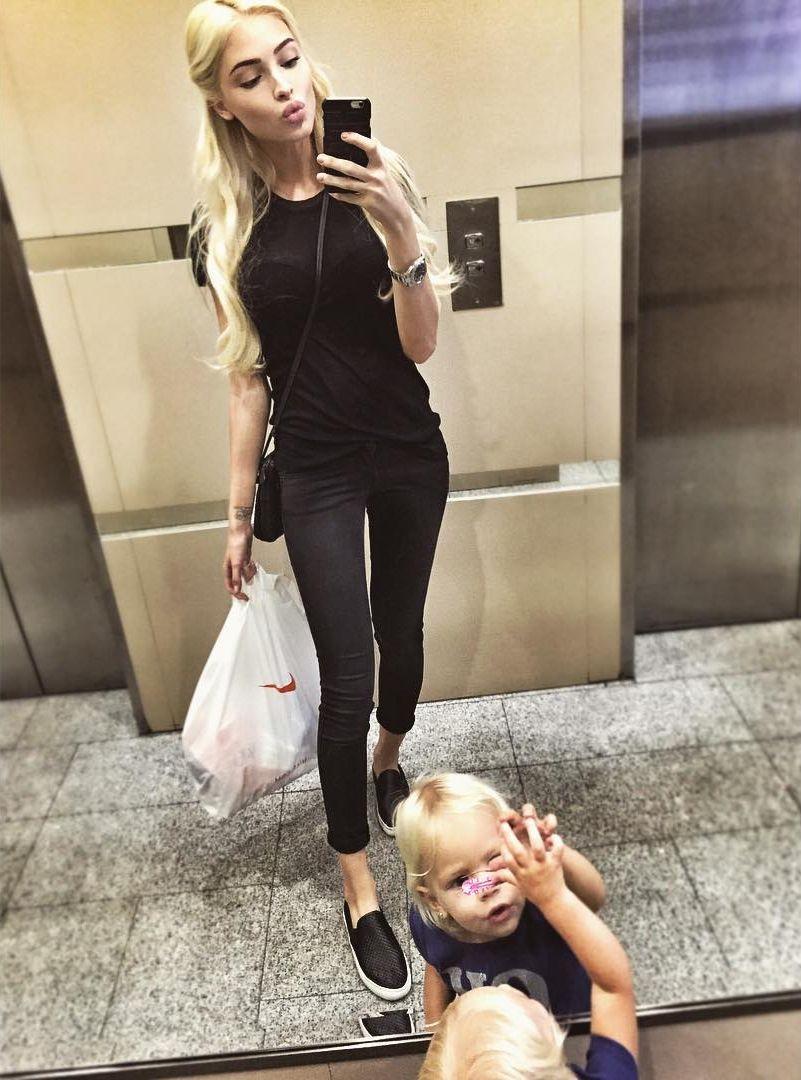 Алена Шишкова с дочерью Тимати