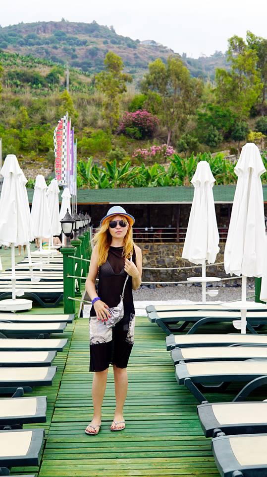 Lilu продемонстрировала фигуру на пляже в Турции