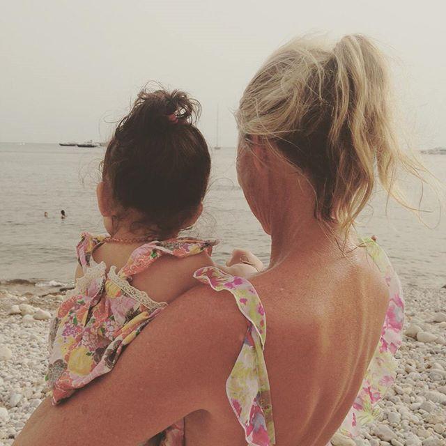 Звездные каникулы: Даутцен Крус с мужем и детьми на отдыхе