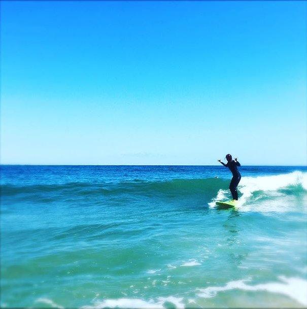 Начинающая серфингистка: Блейк Лайвли покоряет волны