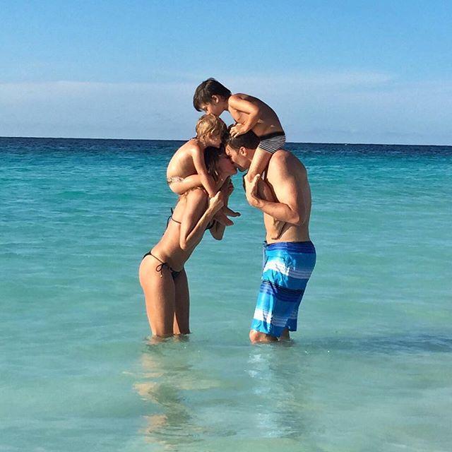 Развода не будет: Жизель Бундхен и Том Брэди демонстрируют искренние чувства